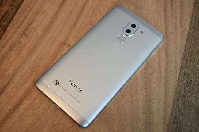 Огляд Huawei Honor 6X 32 GB: мрія фотографа