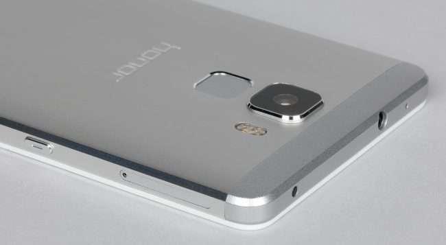 Огляд Huawei Honor 7: Довели до ідеалу