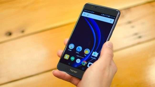 Огляд Huawei Honor 8 Lite: модний новачок в світі смартфонів